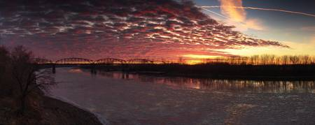 Sunset on the Missouri River 12.11.2005