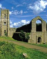 Fountains Abbey in Summer 12