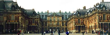 hazy day in Versailles