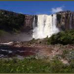 """Salto Aponwao - Aponwao Falls - Gran Sabana"" by riccardozullian"