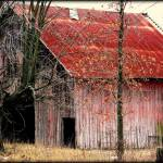 """Red Barn"" by illinichick357"