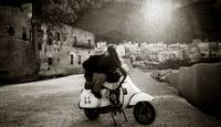 Kiss on the vespa
