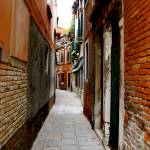 """A Venetian street way"" by jillhanson"