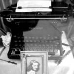 """Vintage Typewriter"" by MyMacGuy"