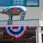 """""""Pike Place Market Pig"""" by robgerman"""