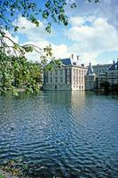 Mauritshuis across Lake Hof Vijver,The Hague
