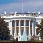 """""""White House Fountain in Washington DC"""" by oilboy"""