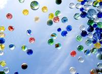 The amazing floating marbles!