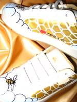 The golden honeycomb no. 3, customized sports shoe