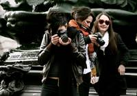 Lovely Canon paparazzo team