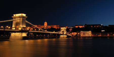 Budapest by night - Chain bridge