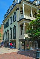 historic savannah house