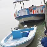 """""""قاربين صغيرين للإيجار في مرسى جزيرة المرجان"""" by Izz"""