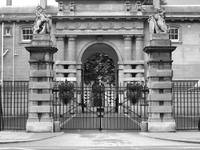 Buckingham Palace in black and white