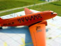 ad08-04 DC-3 HOLLAND PH-ALR-tiltshift