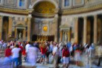 impresionistic view inside pantheon
