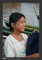 inle_lake_smiling_girl
