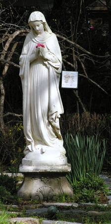 female woodland statue at Magnolia Garden