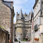 """Vitre Castle"" by funkydive"