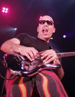 Joe Satriani (August 2002)