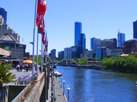 Downtown Melbourne and Yarra River 0460