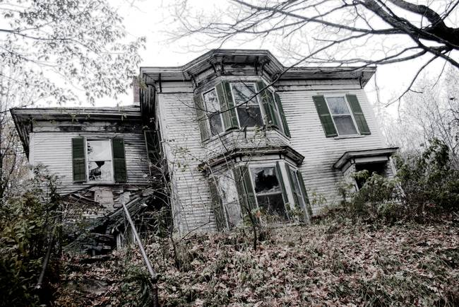 """Haunted Houses Vermont Haunted House in Vermont """""""