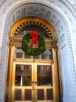 Gilded Portico with Wreath (Du)