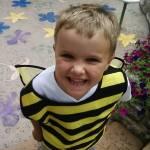 """""""Bizzy Bee"""" by shinyshawenriquez"""