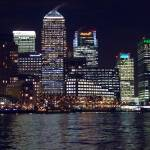 """Canary Wharf by Night"" by fizzyimages"
