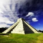 """Maya Pyramid Chichen itza"" by kolanta1"
