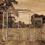 """""""Portes de Château Soulge a"""
