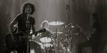 Alice in Chains - Onstage Black & White