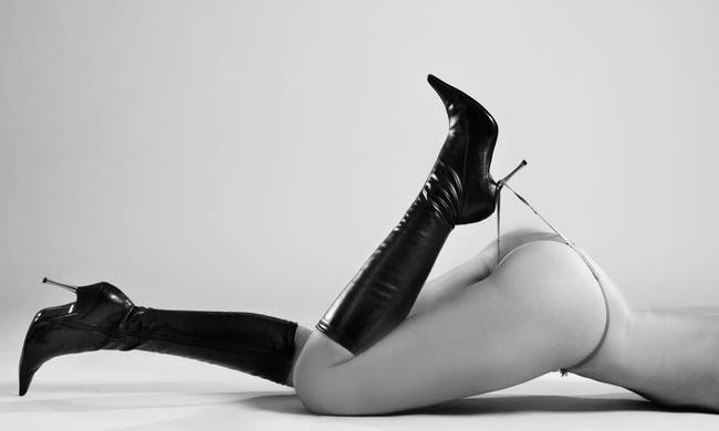 Nude With Black Boots 118