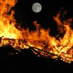 """Moon on Fire ... IMG_2996"" by garytrentPHOTOGRAPHYcdn"