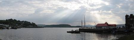 Light in Oban Harbour