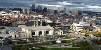 Union Station with Kansas City skyline