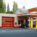 """Hailstone Food and Gas store, Issaquah, Washington"" by JohnGaffen"