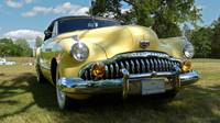 Classic car Buick Eight Picnic on the Grass