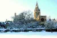 OXFORD'S CHRISTCHURCH CATHEDERAL (SNOW)