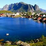 """Lofoten (Reine)"" by martinheil"