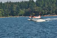 Seaplane meets Speed Boat