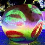 """""""Apple Kiss tie di"""" by SKF_Photography"""