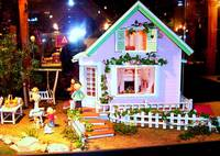 *A Miniature House: Family's Night*