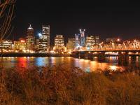 Hawthorne Bridge, Portland skyline