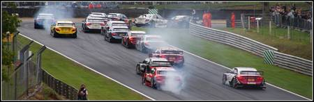 DTM - Braking in to Druids - Brands Hatch 2010