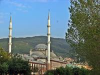 The mosque and the mountain view