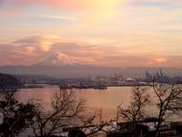 Mt. Rainier & Port of Tacoma Wa. Lenticular clouds