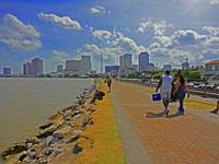 High Tide on the Mississippi River, New Orleans