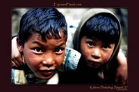 Kids in Phakding, Nepal (2)