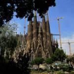 """La Sagrada Familia Basilica"" by davidclaudon"